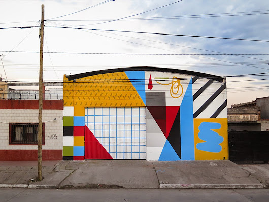 "Elian paints ""Rhythm"", a new abstract piece in San Miguel de Tucuman, Argentina"
