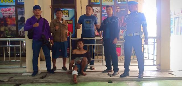 Tersangka Ahmad Bukhori alias Gagak saat diamankan Timsus Gurita Polres Tanjungbalai.