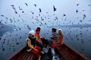 wisata sungai yamuna india