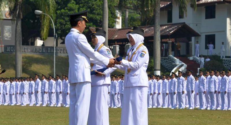 Hari Senin tanggal 15 Juni 2015 Presiden Republik Indonesia melantik 1.974 Pamong Praja Muda lulusan Institut Pemerintahan Dalam Negeri (IPDN) yang akan mengabdi sebagai salah satu komponen penyelenggara pemerintahan dan perekat persatuan dan kesatuan bangsa yang tersebar di seluruh pelosok daerah.