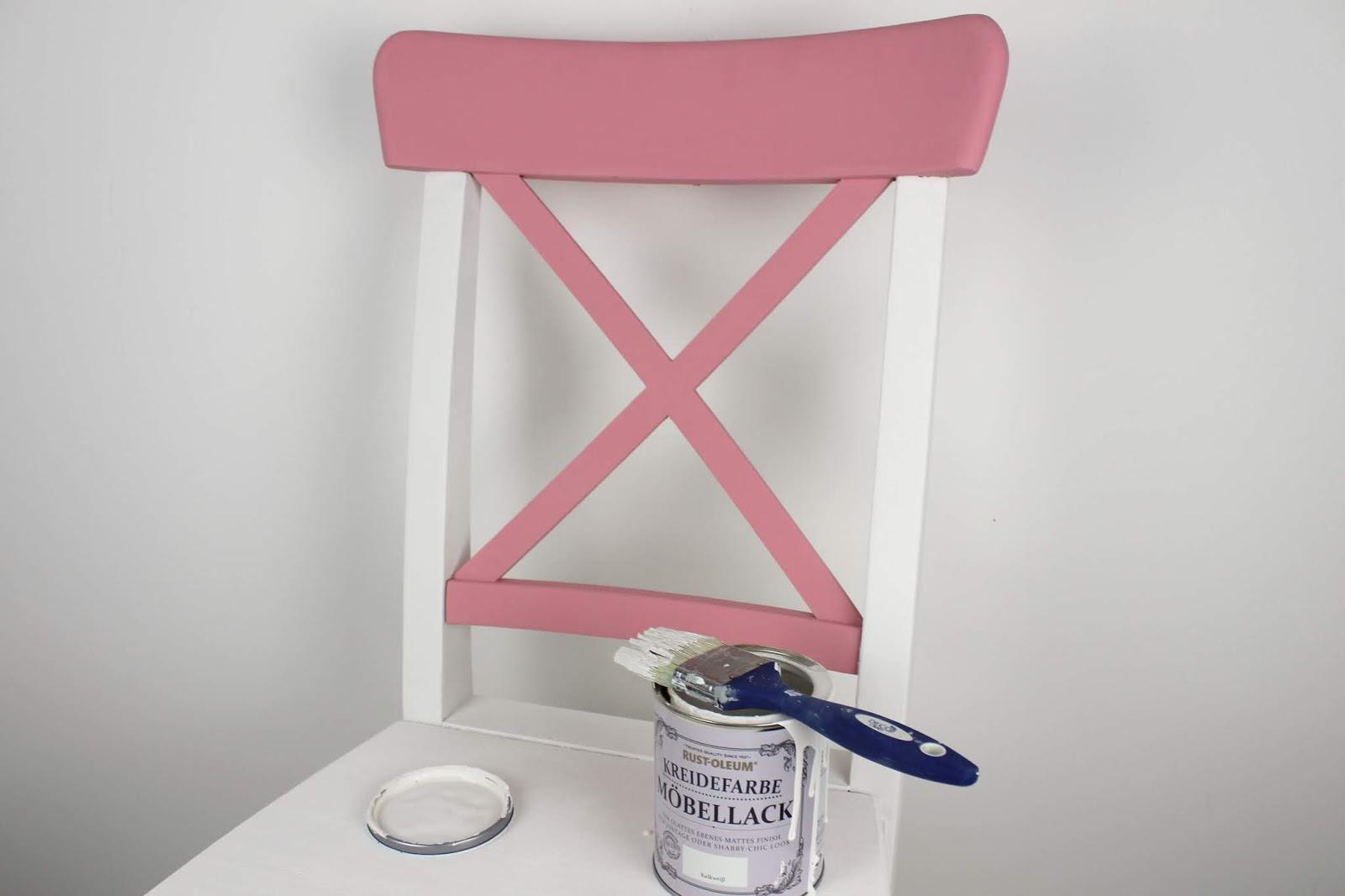 DIY: Alte Möbel aufarbeiten und neu streichen mit Kreidefarbe von Rust-Oleum - farbenfrohes Make Over