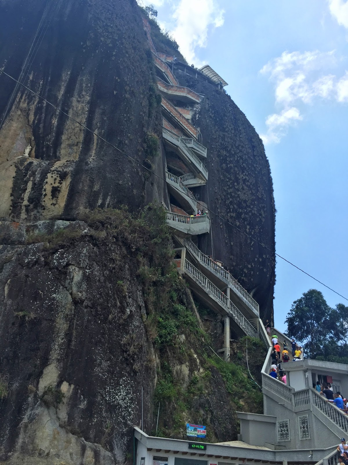 The beautiful Guatapé rock known as el Peñol de Guatapé