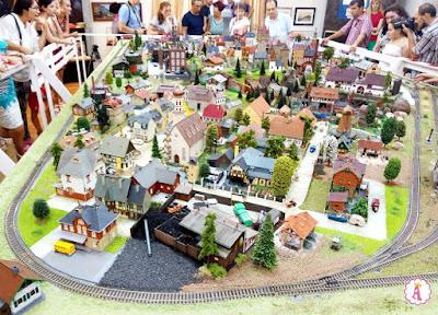 Николаев железнодорожный - выставка миниатюр в областном краеведческом музее
