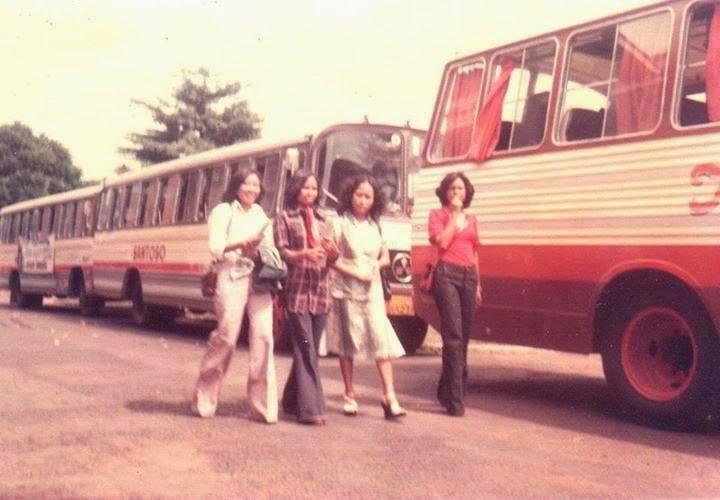 Foto Kenangan Bus Bumel Tempo Dulu Di Sekitaran Pulau Jawa