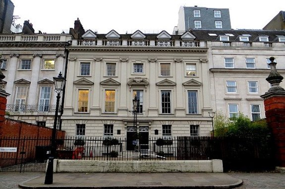 В Англии опубликован список домов Абрамовича и Шувалова, подлежащих конфискации
