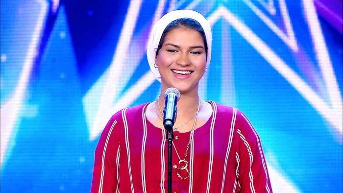 إيمان الشميطي تخلع الحجاب (صورة)