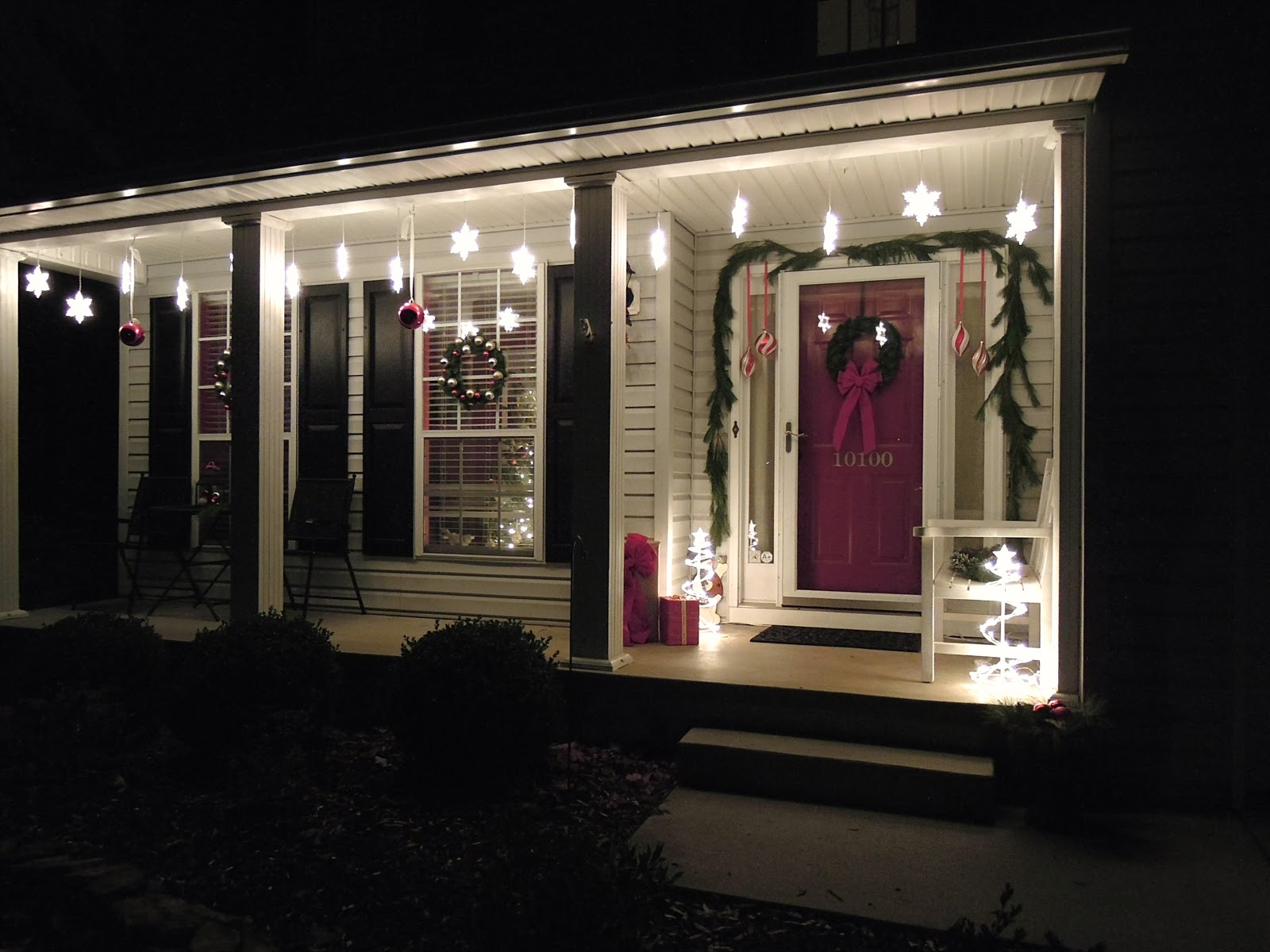 Outdoor Hanging Front Porch Lights: Holiday Porch Decorations