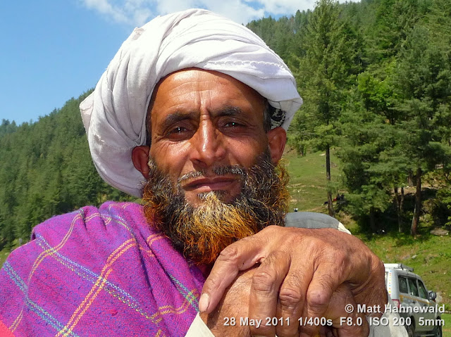 Facing the World, © Matt Hahnewald, people, street portrait, Northern India, Kashmir, Bhadarwah, Jai Green Valley, Kashmiri man, red dyed beard, turban, Muslim people, Muslim man