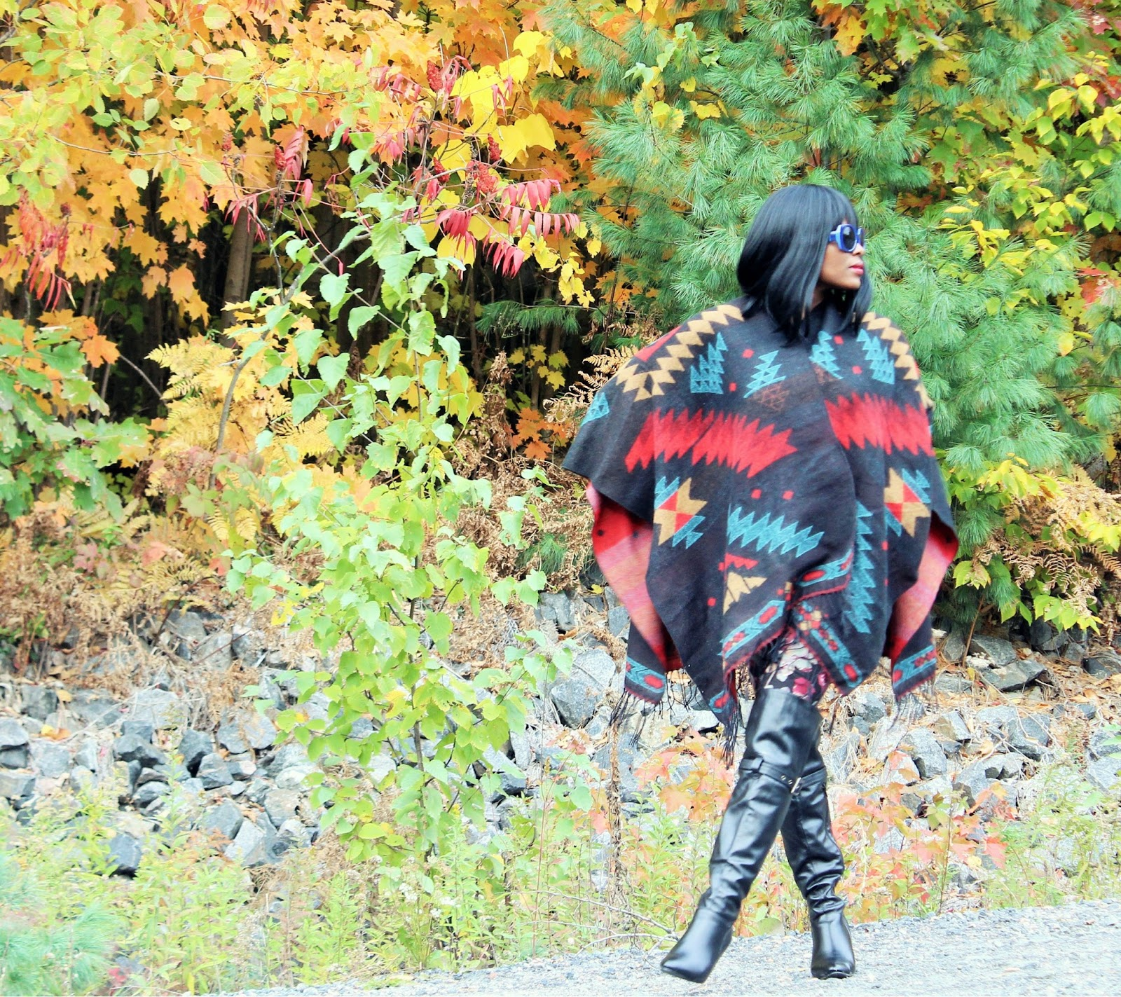 Garage Blanket Wrap for women + Leggings + Over-the-knee Boots : Perfect for fall and layering