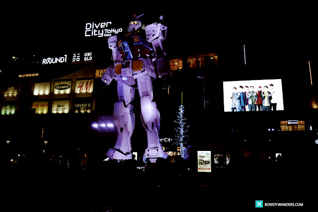 bowdywanders.com Singapore Travel Blog Philippines Photo ::  Odaiba: Finding the Unicorn Gundam Statue in Tokyo