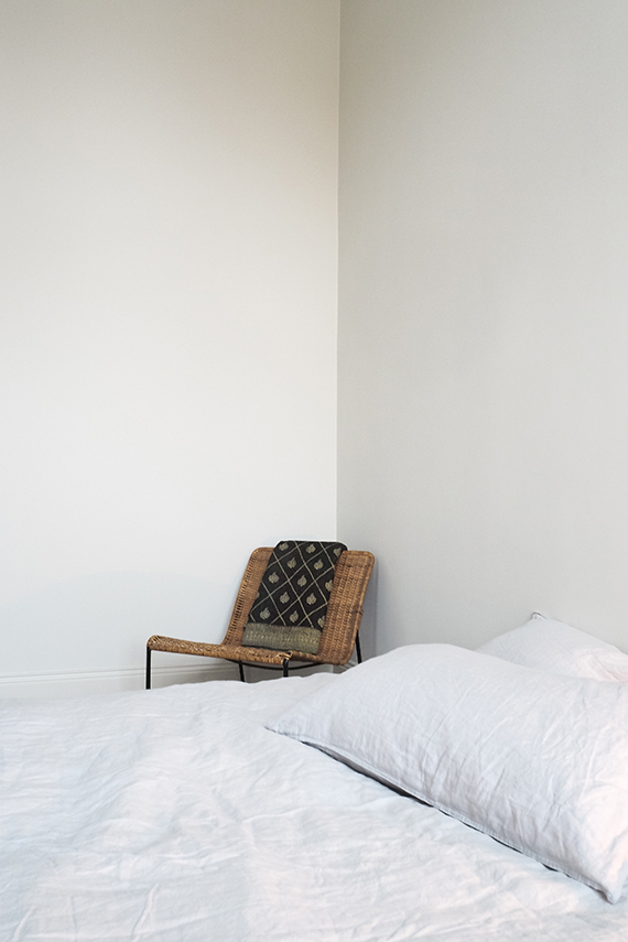 Scandinavian bedroom via Hannah in the house