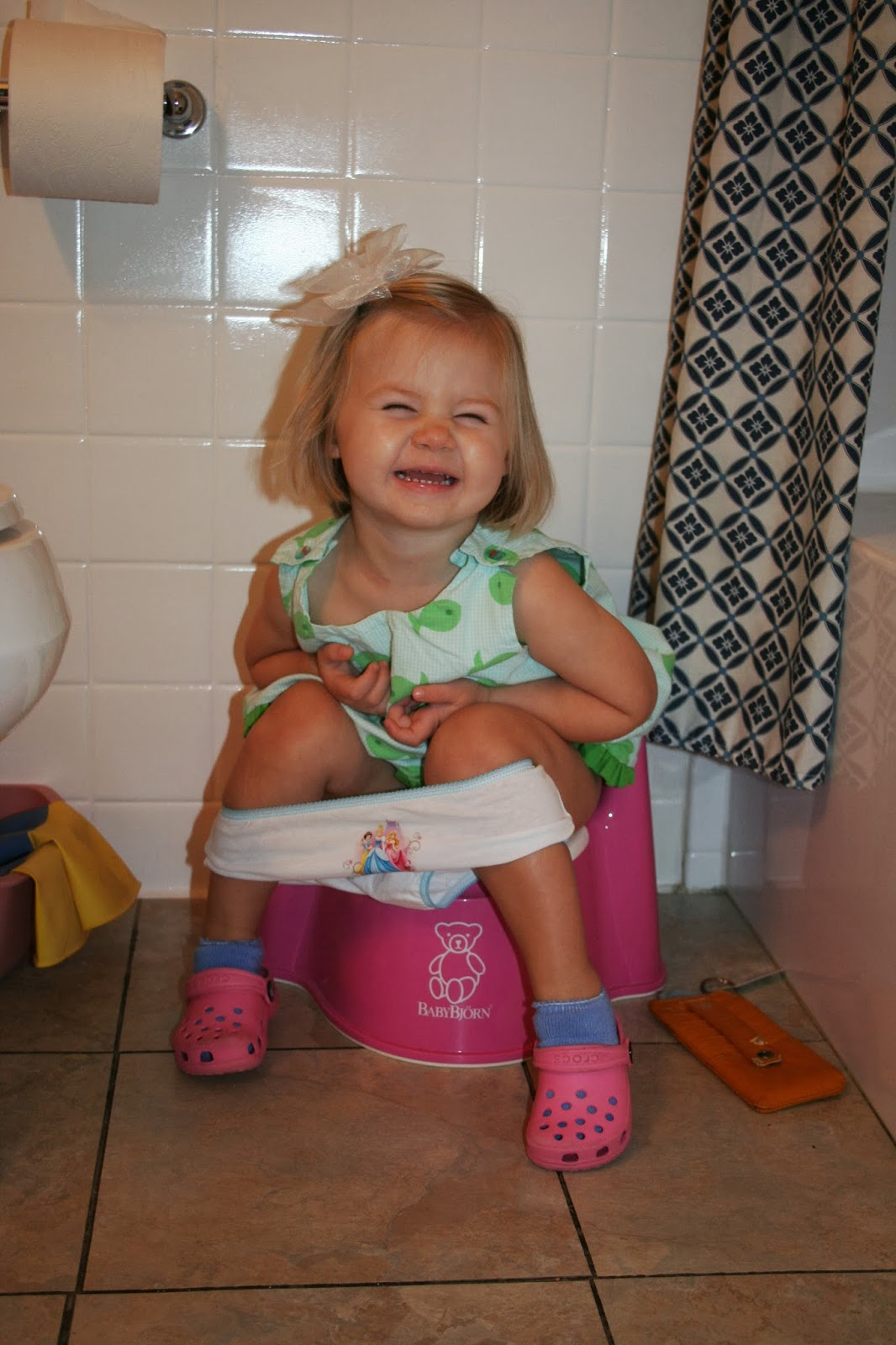 Little girl goes potty, helpful tips on potty training a ...