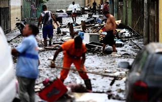Rio tem 100 mil sem luz 48h após chuvas;1,5 pessoas estão desalojadas