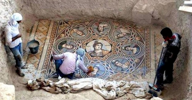 Только представьте лица археологов, докопавшихся до этого 2000-летнего шедевра, давным-давно не видевшего света дня! археология, история, мозаика