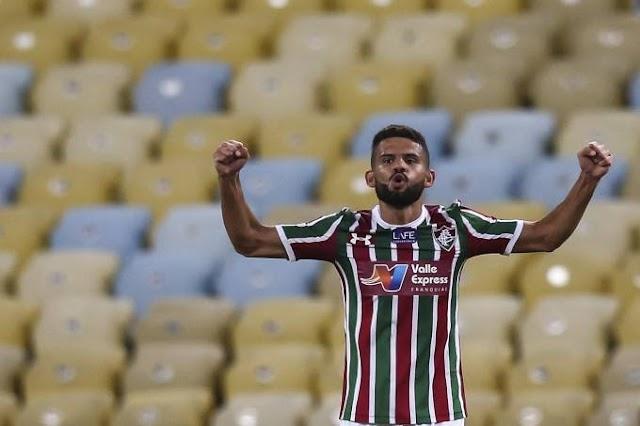Flu vence, convence e segue na ponta do Brasileiro