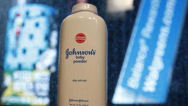 Johnson&Johnson y un proveedor pagarán 1,5 millones de dólares a una víctima de su talco cancerígeno