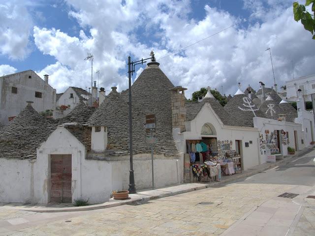 wioska Alberobello, co zobaczyć?