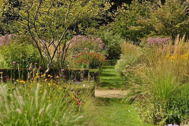 Kasteel Geldrop -  holenderski ogród zamkowy w stylu angielskim