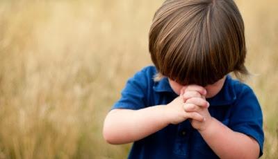 Resultado de imagem para crianças orando juntas