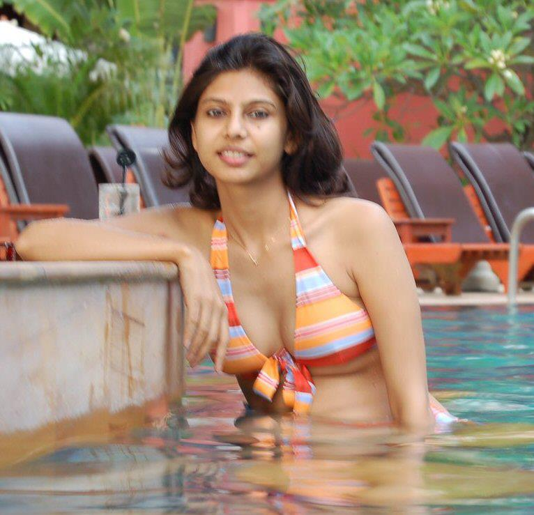 Cute Girls Desi Maal 14-4105