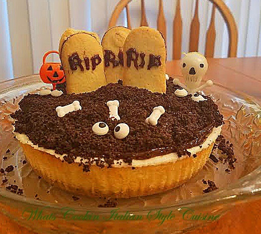 How to make a graveyard cheesecake