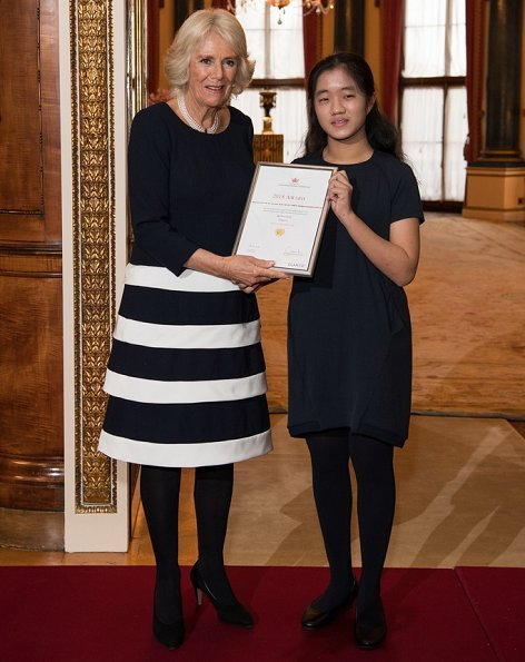 The Duchess congratulated the Commonwealth Essay Competition winners, Zahra Hussain, Ng Woon Neng, Janine Shum and Floria Gu