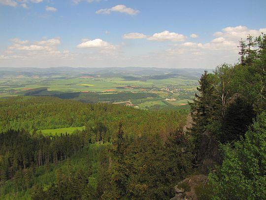 Ziemia Kłodzka (czes. Kladsko, niem. Glatzer Ländchen).