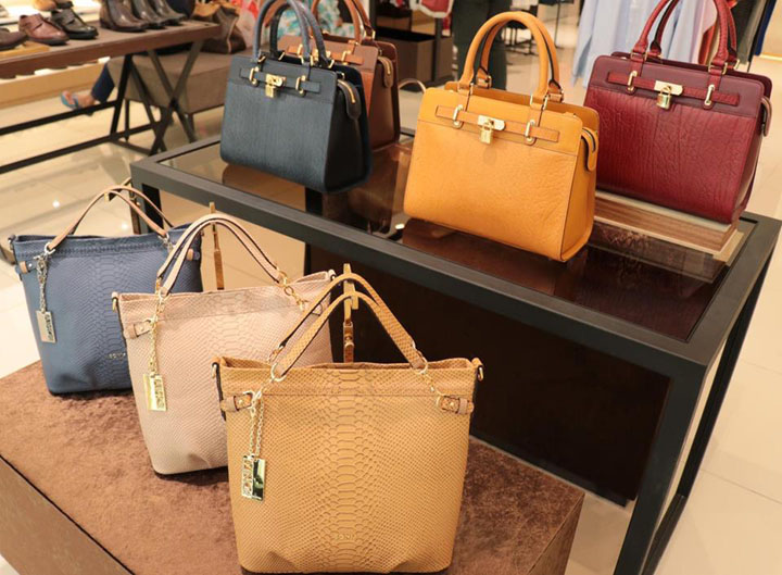 Pengalaman Pertama Shopping Beg Tangan Berjenama di Design Village Penang