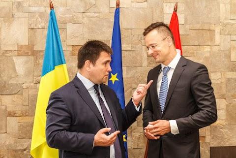 Magyarország figyelemmel követi Ukrajna kisebbségeket érintő politikáját
