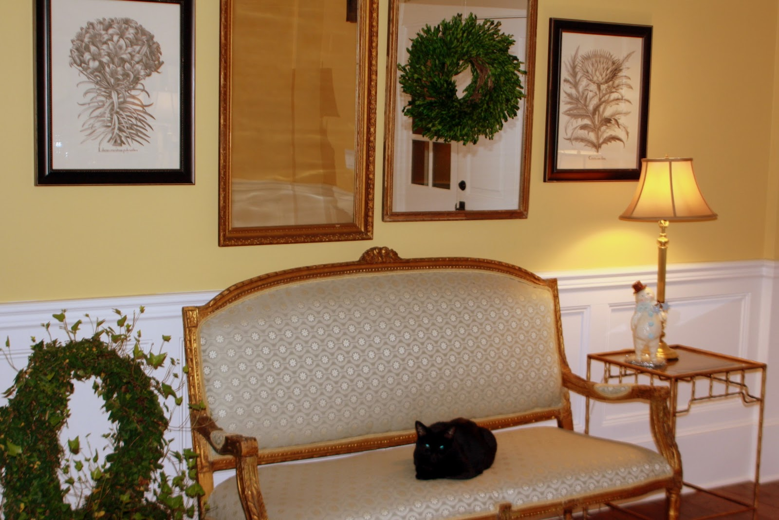 Accent Furniture For Cottage Entryway Decoration News