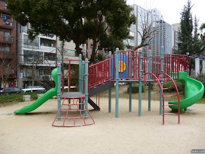 中大江公園の滑り台