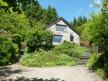 An interview with Jane Sigsworth about the holiday cottage (pictured) where dogs can roam free, and working with fearful dogs