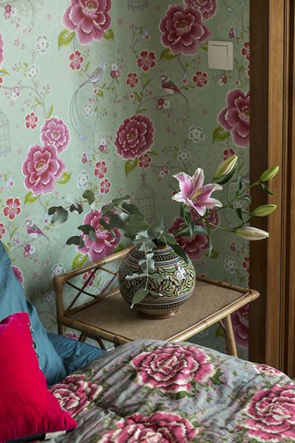 papier peint pip studio fleurs et oiseaux vert et rose