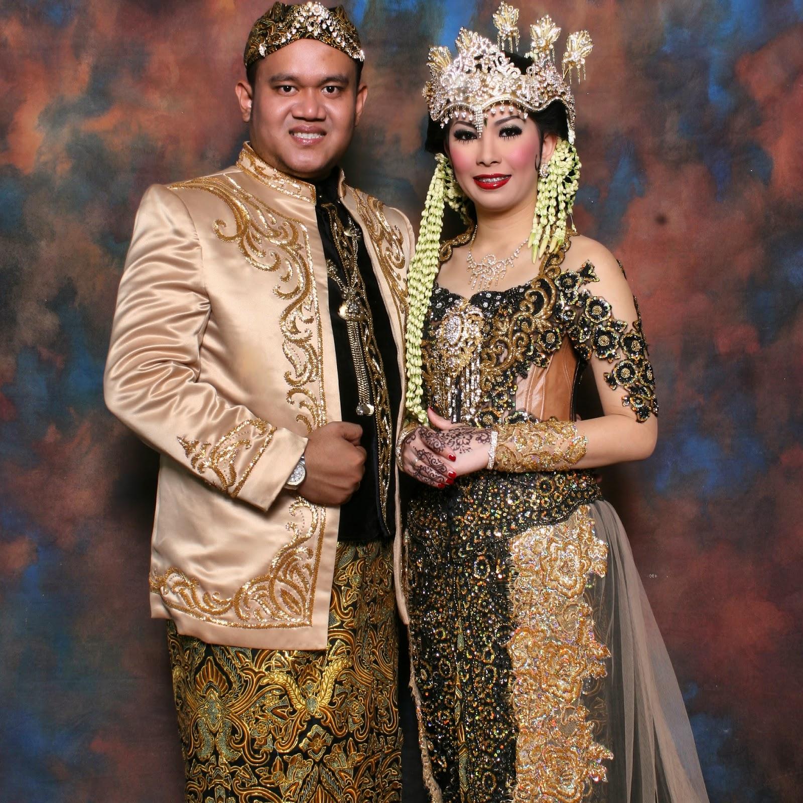 Pakaian Adat Yogyakarta Kebaya Ksatrian