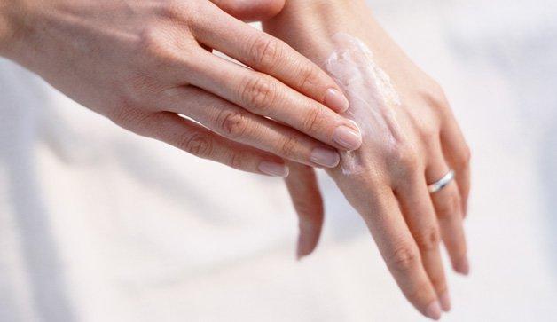 كيف اتخلص من تجاعيد اليدين