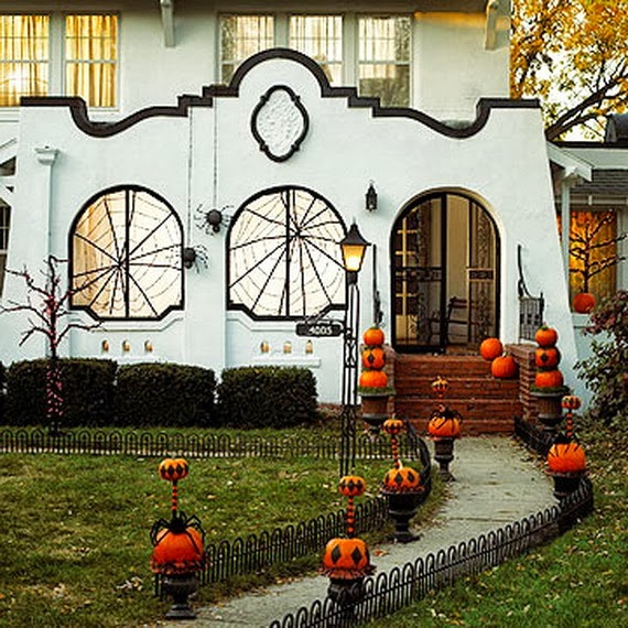 25 Amazing Deck Lights Ideas Hard And Simple Outdoor: The Domestic Curator: FUN OUTDOOR HALLOWEEN DECOR