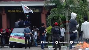 ALB Bakar Ban di DPRD dan Segel Paksa Kantor BPJS Kesehatan