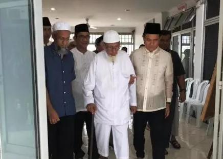 Dibebaskan Jokowi, Begini Rekam Jejak Abu Bakar Ba'asyir