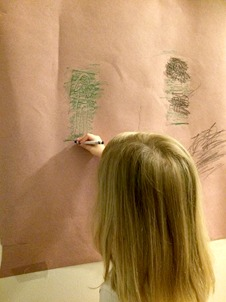 Use wall crayon rubbings to help kids strengthen the upper extremities in this upper extremity activity for toddlers.