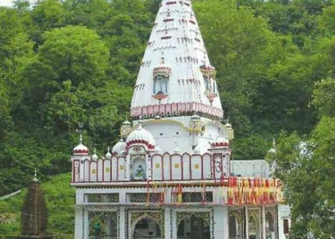 हिमाचल में ऐसा मंदिर यहां की मिट्टी के लेप और जल पीने से उतर जाता है सांप-बिच्छू का जहर