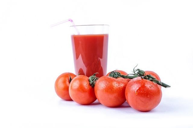 El jugo de tomate es rico en ácidos OMEGA