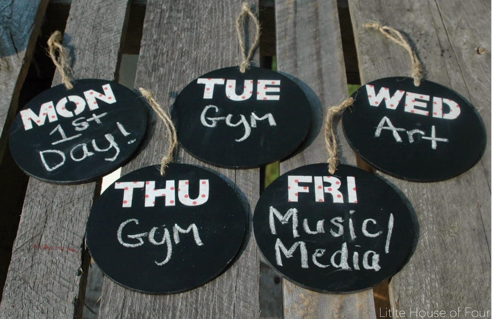 DIY chalkboard weekly organizing tags