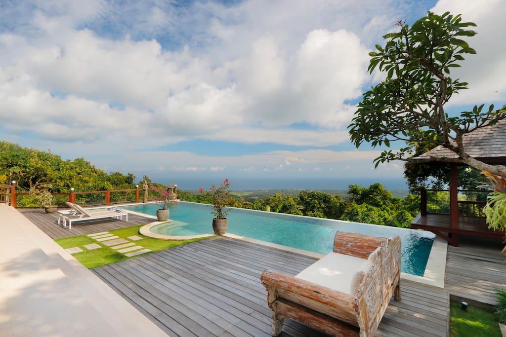 villa murah di pantai lovina degan infinity pool