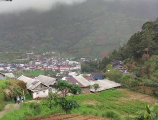 Pendakian Gunung Prau Via Desa Wates
