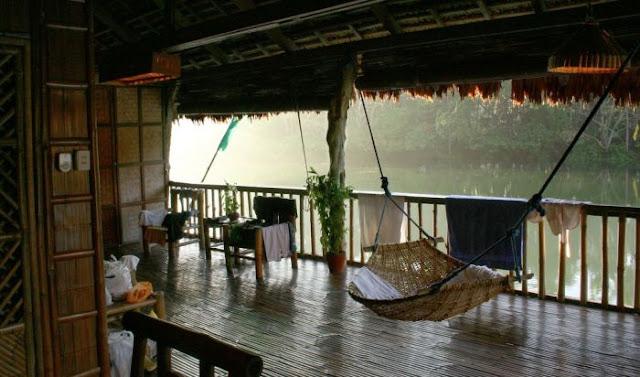 مطعم فوق مياه الأنهار الجارية waterfalls_restauran