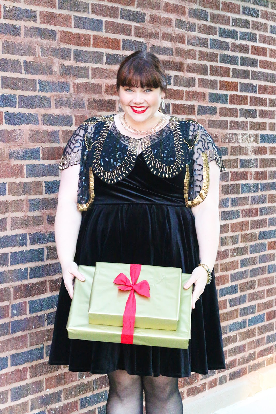 43935ec5f831a Plus Size Blogger Amber from Style Plus Curves in a Black Velvet Dress from  Torrid