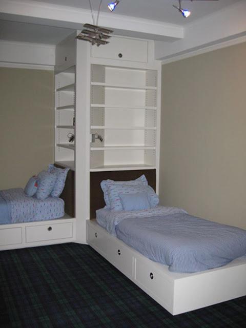 غرفة نوم اولاد او بنات كبار وتصلح للفنادق ايضاً , اللون بيج , ابيض