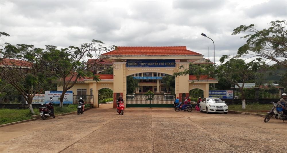 Gia Lai: Nam sinh lớp 10 bị bắn thẳng vào đầu ngay trước cổng trường