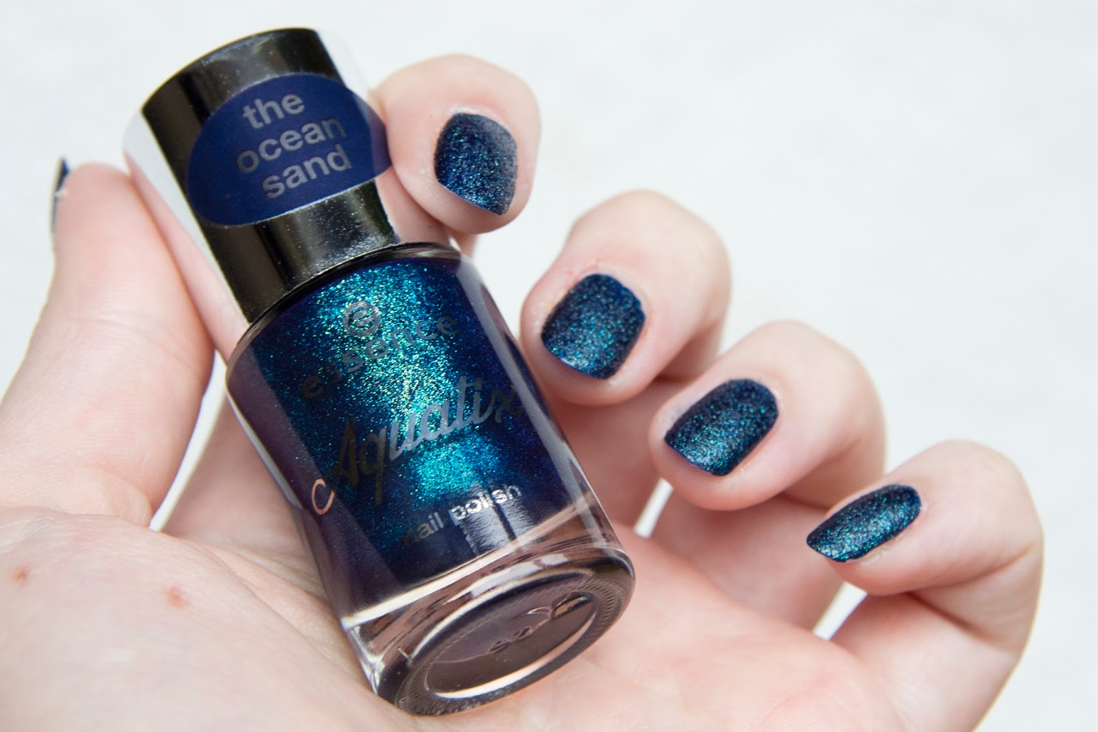 manucure nail art édition limitée Essence aquatix vernis mat texturé under the water