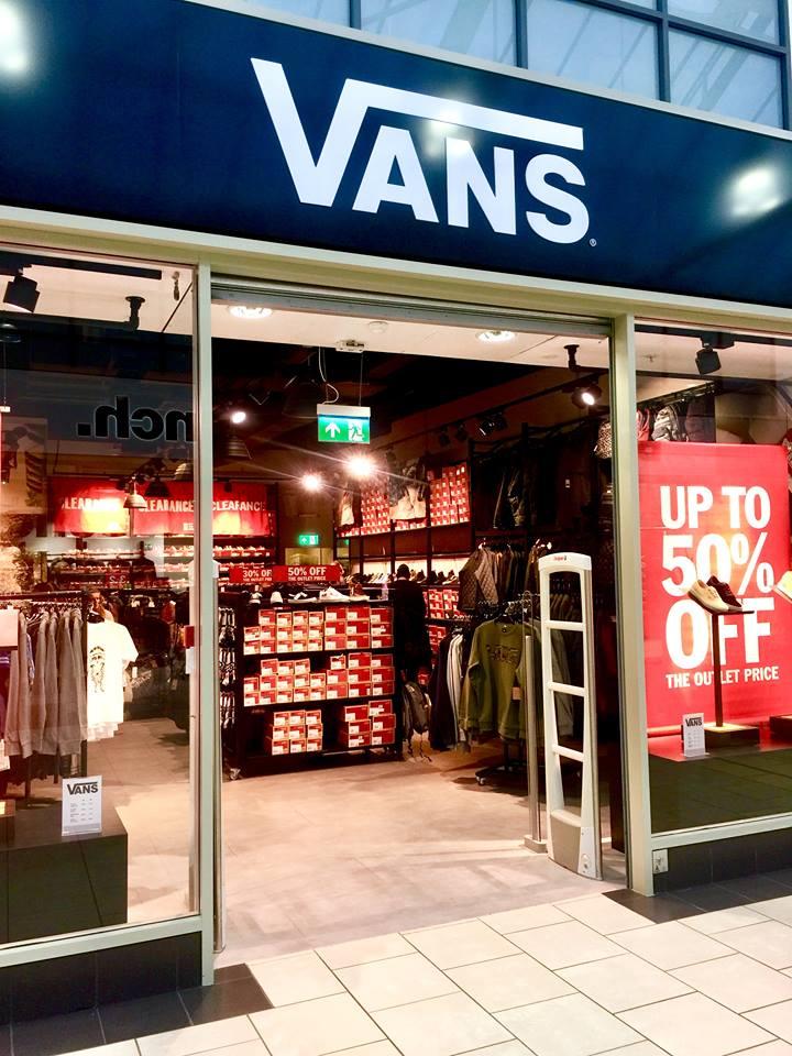 York Designer Outlet | Jamie Sowden Bringing The Joy Out In January Mcarthur Glen York